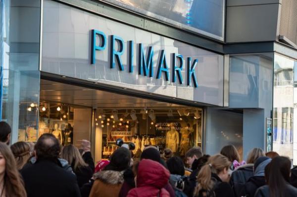 Cha đẻ của hãng thời trang danh tiếng Primark: Cả đời sống trong lo sợ cùng bi kịch của gia đình