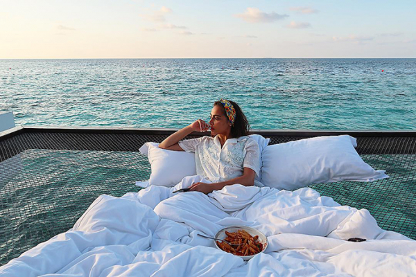 maldives hotel net over water grand park kodhipparu 5d2c355f3a9bb 700