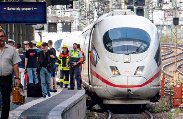 0 accident at frankfurt central station 1 1