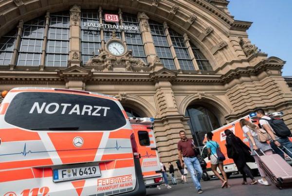 0 accident at frankfurt central station 3 1