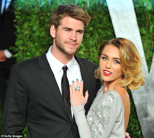 17142998 7347095 it s over miley announced her separation from husband liam hemsw a 7 1565561734438