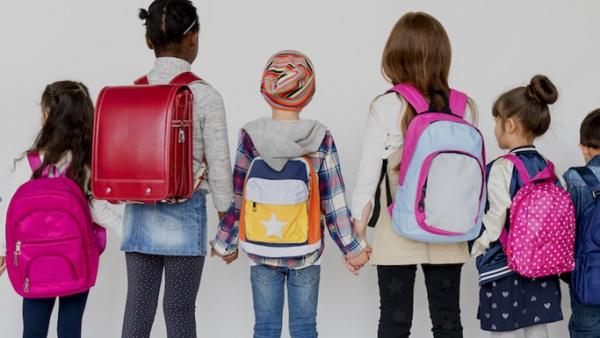backpacks children universal 832x469