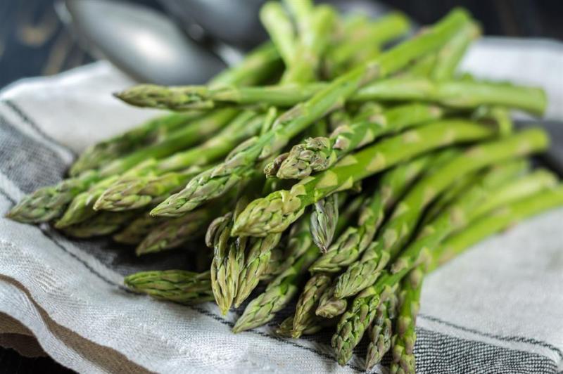 3686b141 1c98 486c a423 0b9af057bf48 blanch asparagus